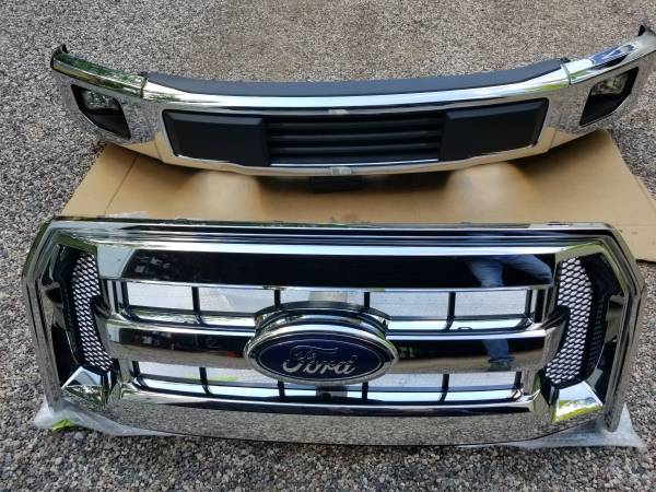 Photo Ford F150 Chrome Bumper  Grill - $375 (Iron Mountain, Vulcan area.)