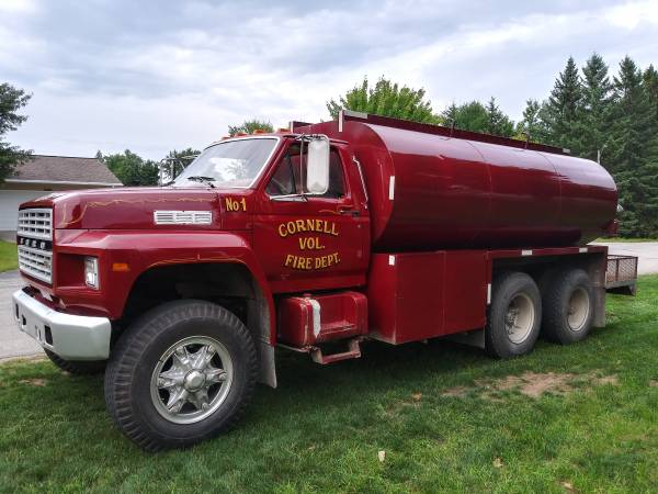 Photo Ford Fire Truck and Water Tank - $14,995 (Escanaba)