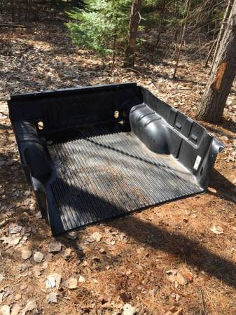 Photo GM Canyon  Colorado Truck bed liner plastic tail gate protector GMC - $100 (Marquette)