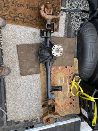 Photo Jeep Wrangler JK Dana Ultimate 44 front axle assembly - $1200 (Iron Mountain)