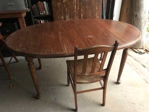 Photo Oak Dining Table - $50 (Marquette)