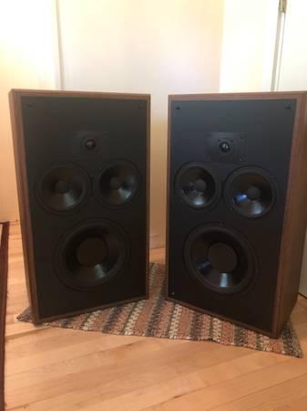 Photo Polk Monitor 10b Speakers - $475 (Allouez)