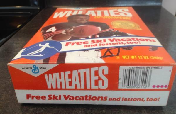 Photo RARE Walter Payton Full Wheaties Cereal Box from 1987  FREE 1998 box - $60 (Escanaba)