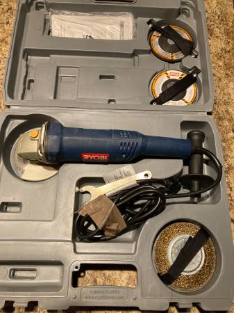 Photo Ryobi 4 12quot Grinder Case and Wheels - $55 (Marquette)