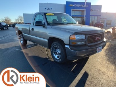 Photo Used 2002 GMC Sierra 1500 2WD Regular Cab for sale