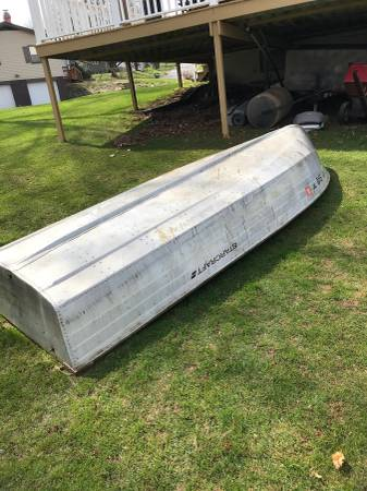 Photo 14 Ft Starcraft Boat - $900 (NH)