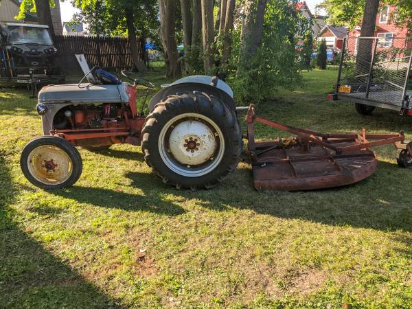 Photo 1947 8N Ford tractor - $3,200 (Utica)