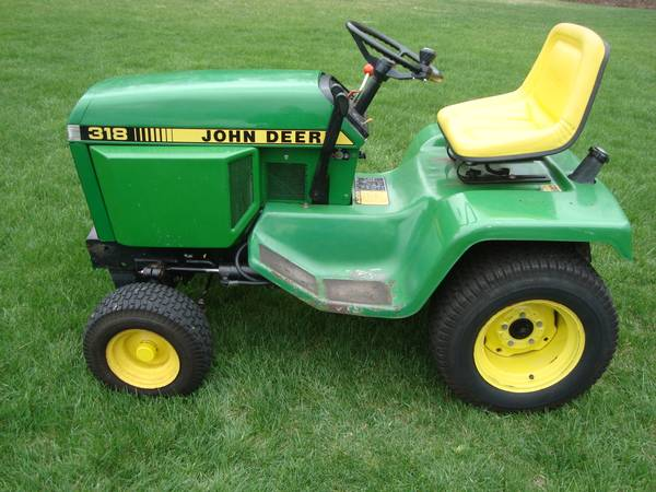 Photo 1987 John Deere 318 Lawn and Garden Tractor, 50 deck, 18HP, Hydro - $2,295 (Nassau, NY (Rensselaer County))