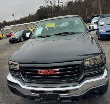 Photo 2004 GMC Sierra 1500 Work Truck Short Bed 2WD - $5995 (Round Lake, NY)
