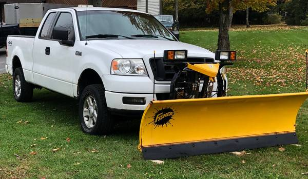 Photo 2005 Ford F150 XL with Fisher Plow - $9,500 (Marcy NY)