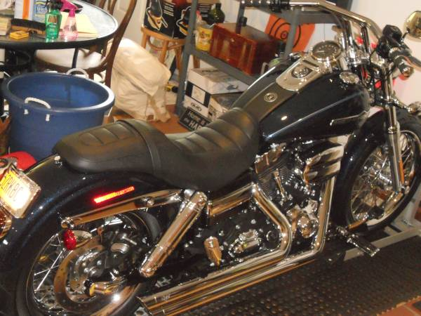 Photo 2012 Harley Davidson Dyna Super Glide - $14,000 (Oneida)