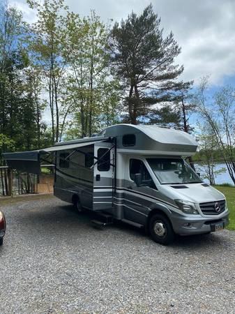 Photo 2019 Winnebago View 24 V - $97,000 (Middle Grove)