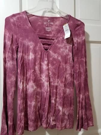 Photo American Eagle Soft  Sexy Long Sleeve Womens Size XS-Small - $10 (New Hartford)