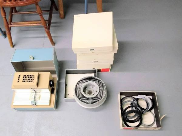 Photo Argus 300 slide viewer and trays - $25 (Selkirk)