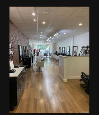 Photo Beauty Salon for Lease (Clinton)
