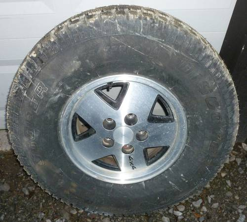 Photo Chevy S10 Blazer  S10 Pickup wheels with BRAND NEW Cooper snow tires - $560 (Fort Plain, NY)