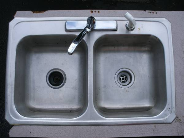 Photo Double Stainless Steel Sink with Faucet  Sprayer - $30 (New Hartford)