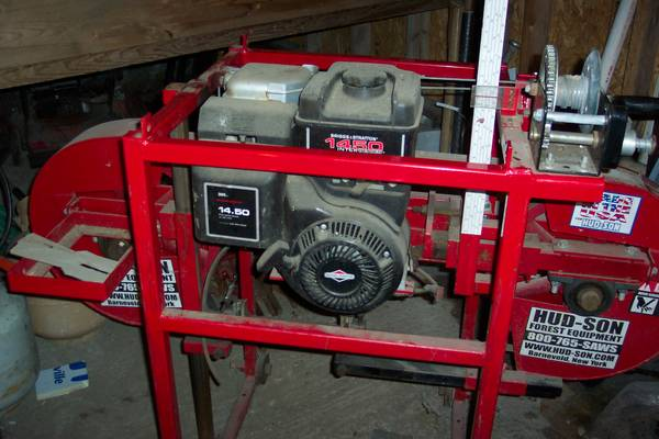 Photo HUN-SON 21 IN. LOG SAW MILL with 18 ft. track .. BRIGGS-STRATTON 14.5 - $2999 (rome)