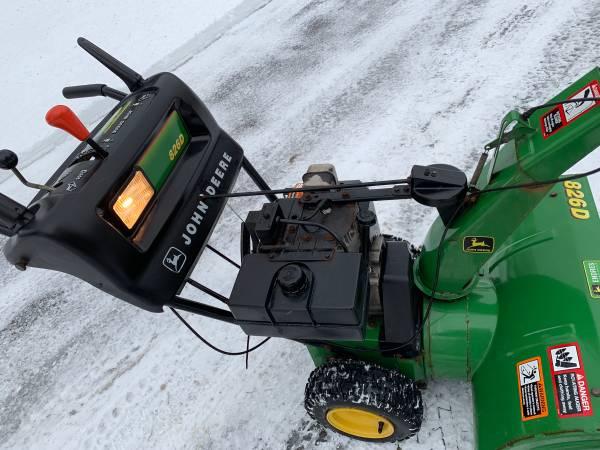 Photo John Deere 826D Snowblower (can deliver) - $500 (Utica)