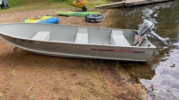 Photo Lowe Fishing Boat 14 ft 6 in - $2,900 (Utica)