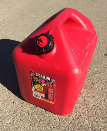 Photo MIDWEST 5 GALLON GAS CAN - NEVER USED - $15 (Rome)