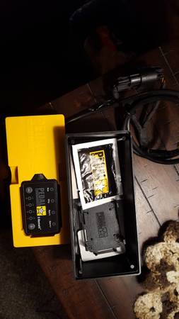 Photo Pedal Commander for Chevy GMC trucks - $250 (Boonville)