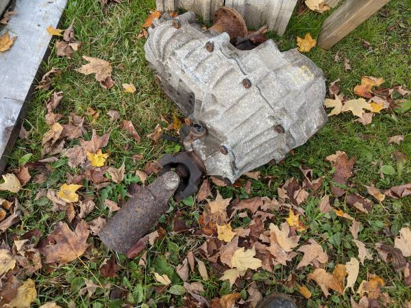 Photo Push button transfer case out of 94 chevy K30 - $300 (Ilion)