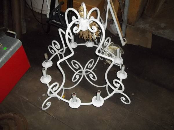 Photo Shabby Chic Currey Co. Chandeliers 1 large 2 small. (Reduced) - $250 (stratford)