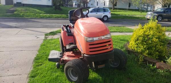 Photo Simplicity Legacy Garden Tractor - $3,500 (Frankfort)