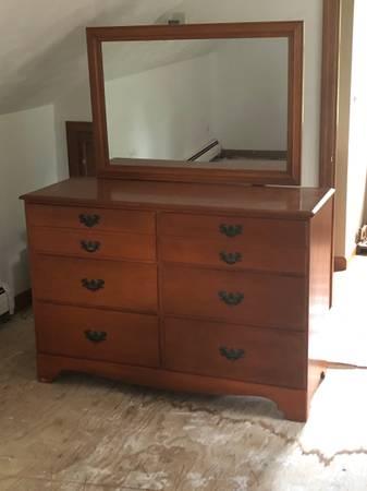 Photo Vintage Antique Baumritter (Ethan Allen) Dresser With Mirror - $250 (Whitesboro)