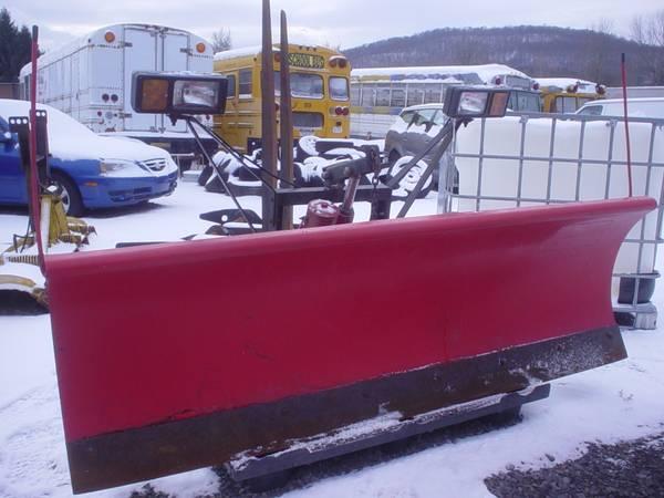 Photo Western 739 Uni Mount Snow Plow Assembly - $850 (Cassville)