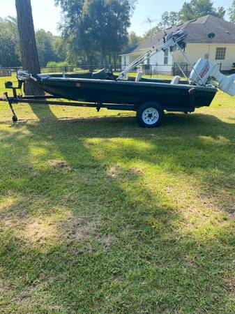 Photo 1974 Stryker Bass Boat - $2,100 (Valdosta)