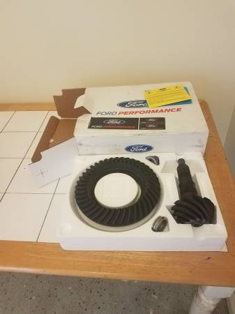 Photo 8.8 3.73 ford motorsports gears - $200 (Naylor)
