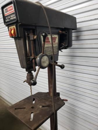 Photo Drill press Floor Model Craftsman 15-12quot - $350 (Ray City, GA)