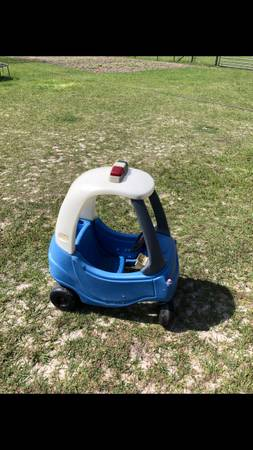 Photo FREE Little Tikes cozy coupe (Bell)