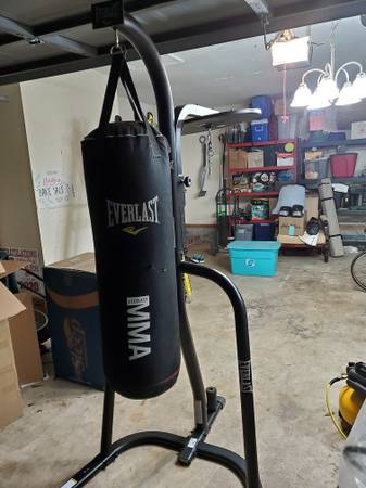 Photo Heavy Bag Stand with 70lb Heavy Bag - $50 (Killearn Lakes)