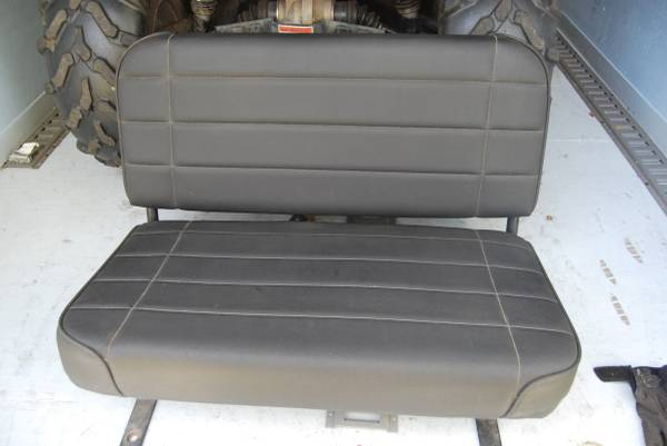 Photo Jeep Wrangle rear Seat - $200 (north side)