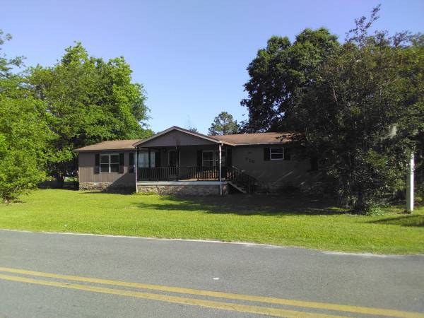 Photo Large 4 bedroom 2 bath with office and Sunroom Mobile Home (Lakeland, GA)