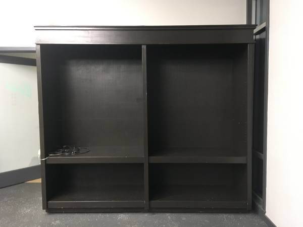 Photo Large Display Shelf with lighting (Gainesville - south Main)