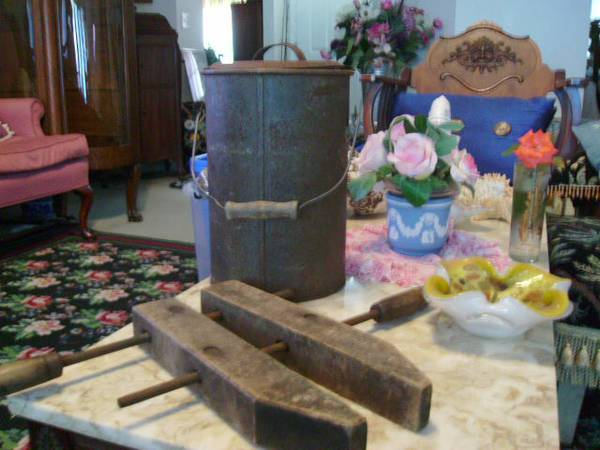 Photo antique large wood cl and milk jug can with handle - $20 (Gcs)