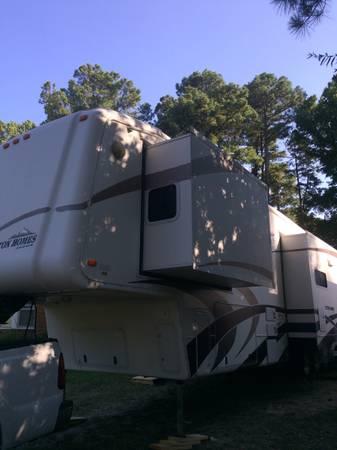 Photo 05 Teton Grand 5th Wheel Trailer 3 big slides - $27,777 (Oxnard)