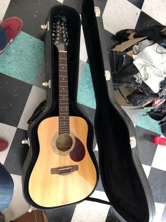 Photo 12-string Greg Bennett Samick Acoustic wcase - $200 (Ojai)