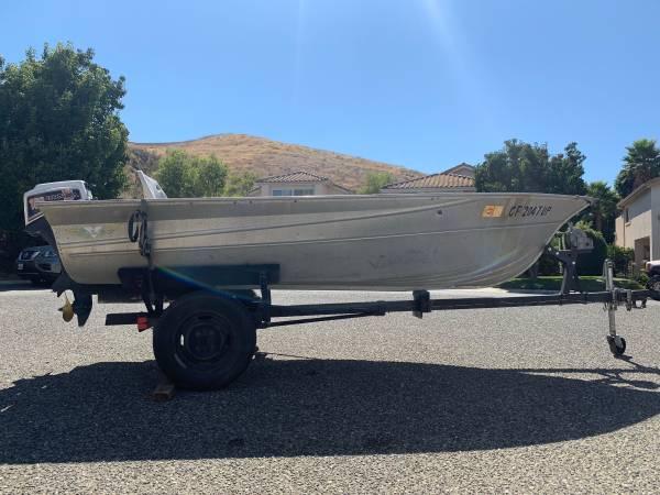 Photo 1977 Valco 12 foot Aluminum boat and trailer with 10hp Honda Motor - $2,100 (Simi Valley)