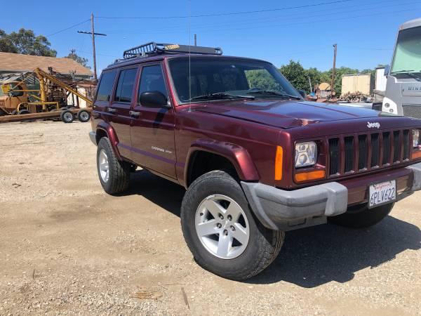 Photo 2000 Jeep Cherokee xj 4x4 147k miles - $7,500 (Ventura)