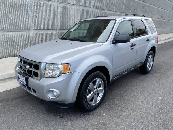 Photo 2009 Ford Escape XLT. EASY FINANCING OPTIONS - $5,799 (CALL ALFRED 818-620-9673. WHOLESALE PRICE TO THE PUBLIC)