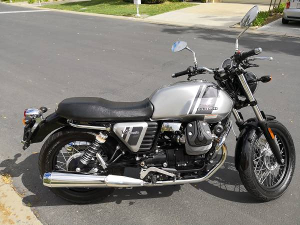 Photo 2015 Moto Guzzi V7 Special - $4800