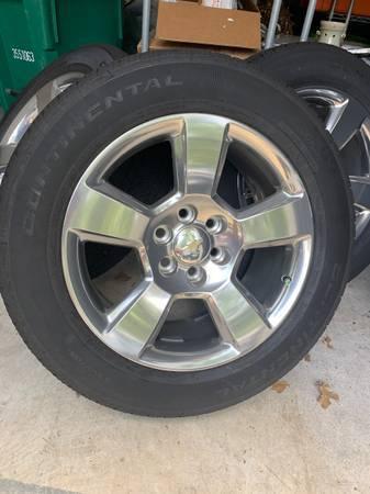Photo 20 OEM Chevy Silverado LTZ Rims and Tires - $950 (Oxnard)