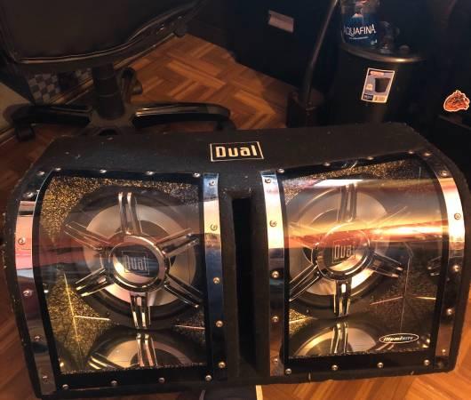 Photo 2 12 inch speakers in box kenwood 1000 watts lifier - $150 (Ventura county)