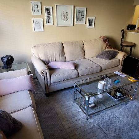 Photo 2 bed, 1 bath room for rent (Thousand oaks)