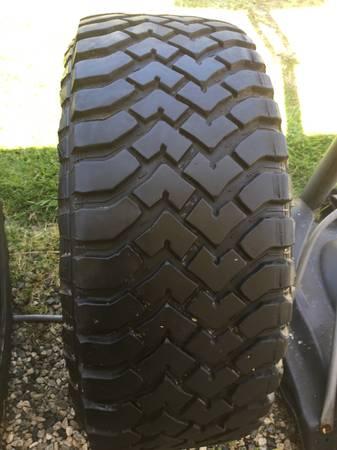 Photo 37-13.5-22 Hankook Dynapro MT tire - $120 (Oxnard)